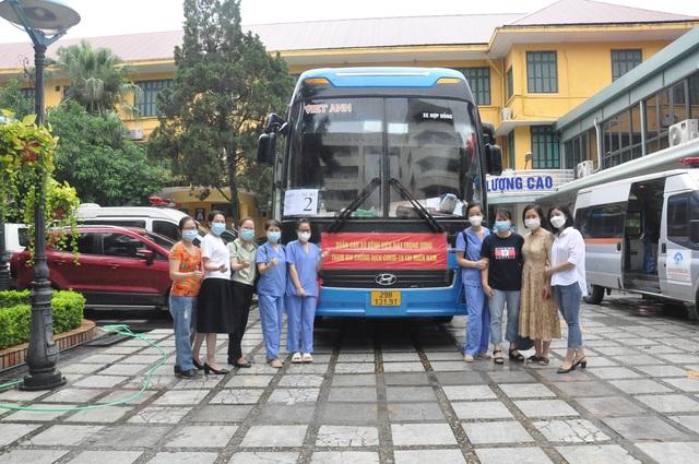 51 cán bộ y tế BV Mắt Trung ương lên đường chi viện cho TP HỒ CHÍ MINH - Ảnh 2.