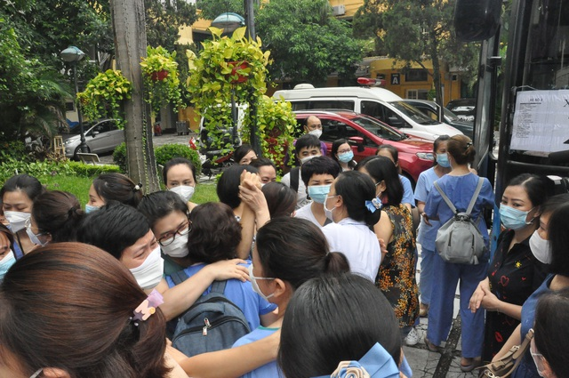 51 cán bộ y tế BV Mắt Trung ương lên đường chi viện cho TP HỒ CHÍ MINH - Ảnh 6.