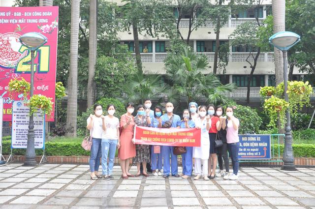 51 cán bộ y tế BV Mắt Trung ương lên đường chi viện cho TP HỒ CHÍ MINH - Ảnh 3.