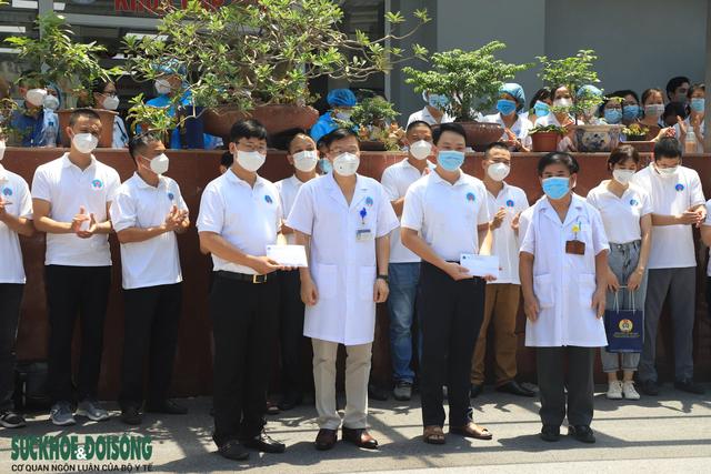 30 thầy thuốc BV Hữu Nghị vào Tiền Giang chống dịch - Ảnh 5.