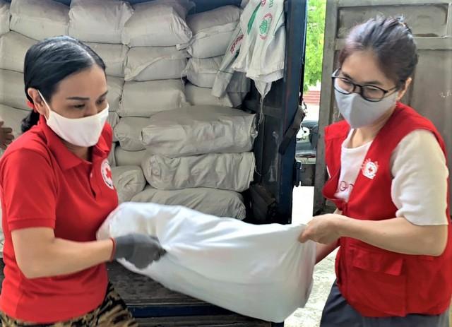 Đề xuất hơn 130 nghìn tấn gạo hỗ trợ dân tại 24 địa phương bị ảnh hưởng bởi COVID-19