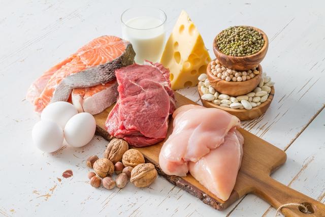 Bí quyết dinh dưỡng giúp người bệnh tăng huyết áp sống khỏe - Ảnh 1.