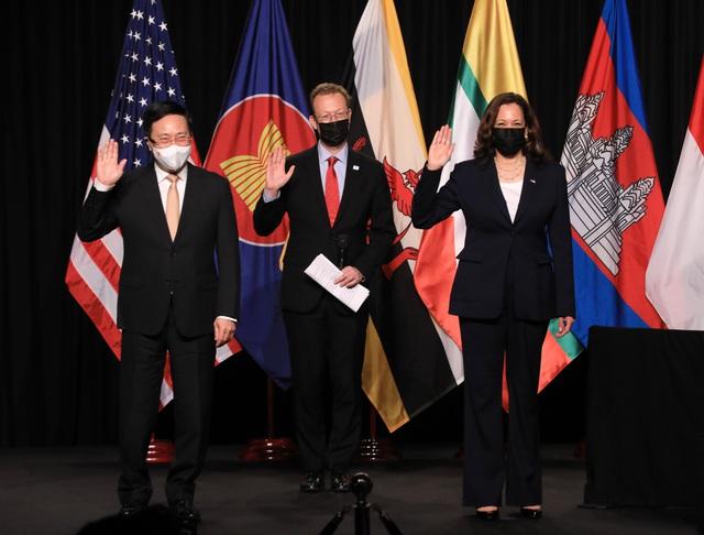 TS.John MacArthur: Văn phòng CDC Hoa Kỳ khu vực Đông Nam Á ở Hà Nội là nền tảng hợp tác với các quốc gia khu vực - Ảnh 3.