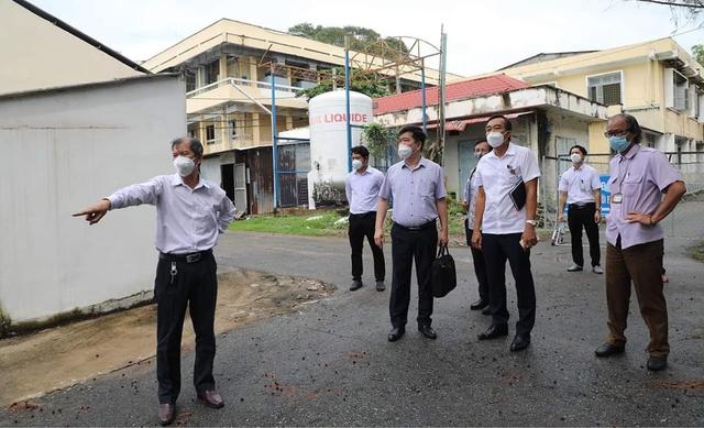Tổ Công tác Bộ Y tế kiểm tra cơ sở hạ tầng của Bệnh viện Dã chiến