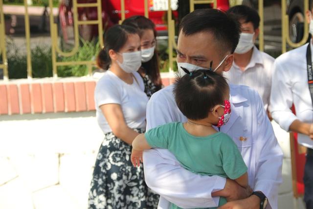 Quảng Trị: Thêm 32 cán bộ y tế vào miền Nam chống dịch - Ảnh 2.