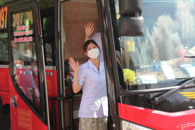 Quảng Trị: Thêm 32 cán bộ y tế vào miền Nam chống dịch - Ảnh 3.