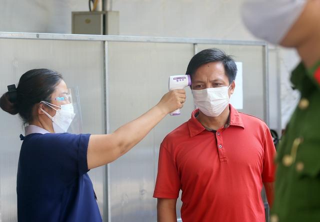 Hà Nội: Trưng dụng Nhà thi đấu Trịnh Hoài Đức thành tiểm tiêm vaccine phòng COVID-19 - Ảnh 2.