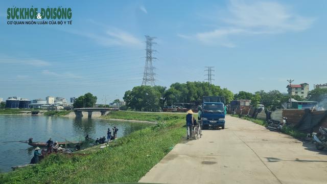 """Hàng chục người nhộn nhịp đánh bắt cá """"chui"""" ở Hà Nội, không ai bị xử phạt - Ảnh 2."""