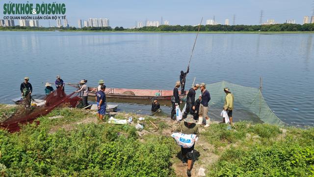 """Hàng chục người nhộn nhịp đánh bắt cá """"chui"""" ở Hà Nội, không ai bị xử phạt - Ảnh 4."""