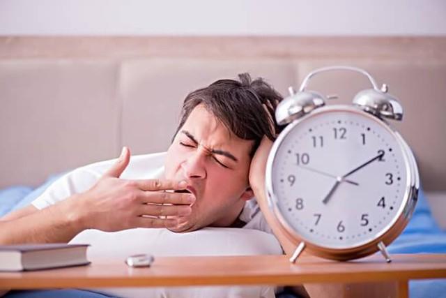 Ngủ quá nhiều dễ gặp rủi ro về sức khỏe, bạn ngủ mấy tiếng 1 ngày? - Ảnh 3.