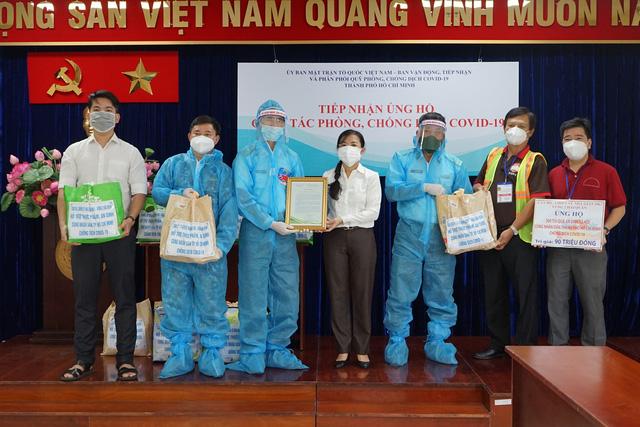 Những túi quà ấm tình quân dân của chiến sĩ Nhà giàn DK1 đến tâm dịch TP.HCM - Ảnh 2.