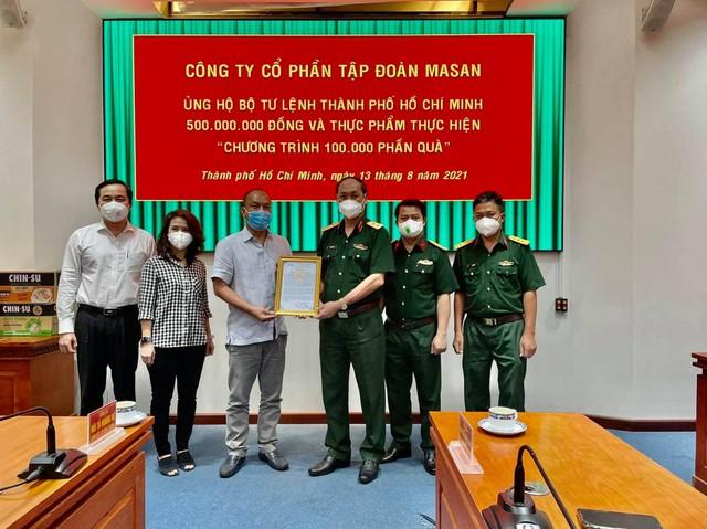 VinMart/VinMart+ tiếp sức tuyến đầu chống dịch tại TP. Hồ Chí Minh hàng chục ngàn vật tư y tế và nhu yếu phẩm   - Ảnh 3.