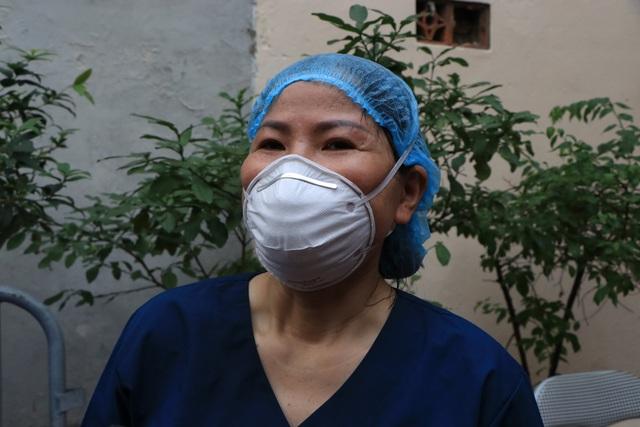 """Cán bộ y tế Bắc Giang làm việc xuyên đêm ở Hà Nội: """"Chúng tôi coi đây như sự tri ân"""" - Ảnh 3."""