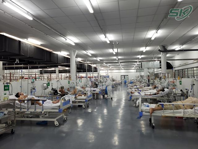 Bên trong khu điều trị hơn 300 bệnh nhân COVID-19 ở TP Hồ Chí Minh, người lo lắng tột cùng, người lại hạnh phúc đếm từng ngày khoảnh khắc được ra viện - Ảnh 1.