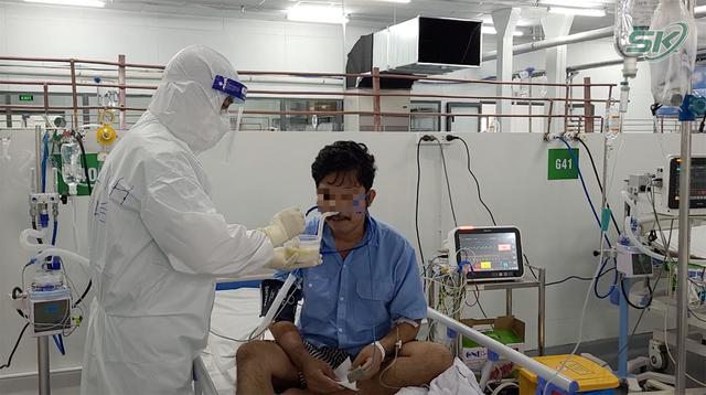 Bên trong khu điều trị hơn 300 bệnh nhân COVID-19 ở TP Hồ Chí Minh, người lo lắng tột cùng, người lại hạnh phúc đếm từng ngày khoảnh khắc được ra viện - Ảnh 11.