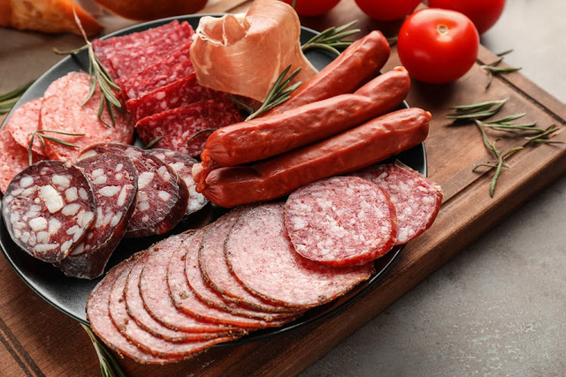 5 loại thực phẩm người bệnh suy tim cần hạn chế để kiểm soát bệnh của mình - Ảnh 3.