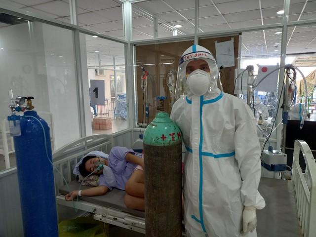 Chuyện của những F0 khỏi bệnh nhưng không xuất viện-Cảm phục y bác sĩ và thương người bệnh mà ở lại - Ảnh 3.