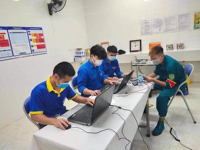 """Các quận huyện Hà Nội """"nước rút"""" tiêm vaccine COVID-19 - Ảnh 5."""