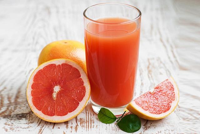 Sốt sau tiêm vaccine COVID - 19 có nên ăn dưa hấu để giải khát, bổ sung vitamin không? - Ảnh 4.