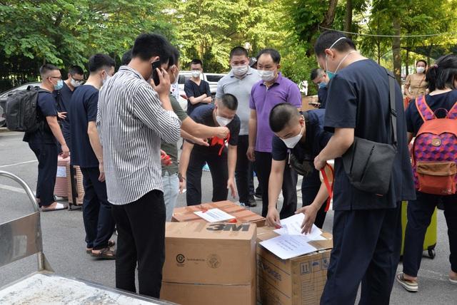 Lần thứ 3, Bệnh viện Nội tiết Trung ương cử đoàn cán bộ chống dịch chi viện cho miền Nam - Ảnh 5.