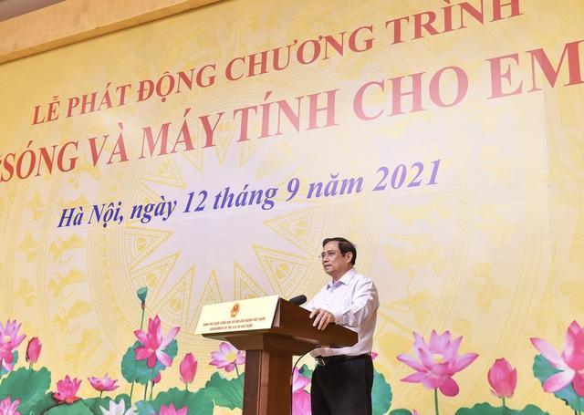 """Thủ tướng kêu gọi chung tay hỗ trợ """"sóng và máy tính cho em"""" đến với hàng triệu học sinh, sinh viên khó khăn - Ảnh 2."""