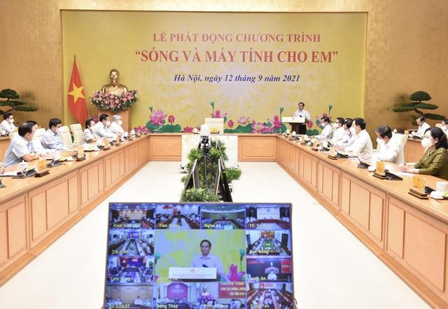 """Thủ tướng kêu gọi chung tay hỗ trợ """"sóng và máy tính cho em"""" đến với hàng triệu học sinh, sinh viên khó khăn - Ảnh 4."""