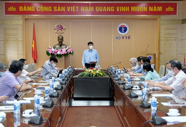 Bộ Y tế họp chuẩn bị chiến lược phòng chống dịch năm 2022   - Ảnh 3.