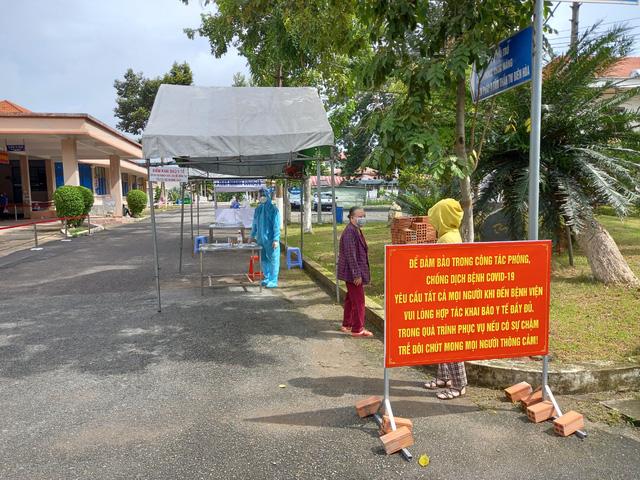 Bộ Y tế giám sát để ngăn chặn dịch COVID-19 tại hai cơ sở chăm sóc bệnh nhân tâm thần ở Đồng Nai - Ảnh 2.
