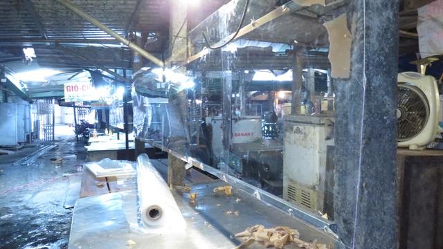 Kiểm tra, giám sát chặt khi mở lại các chợ dân sinh ở TP Vinh   - Ảnh 2.