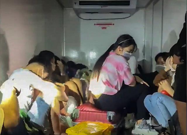 Các địa phương sẽ tiếp nhận 15 công dân trong thùng xe đông lạnh về quê nhà   - Ảnh 1.