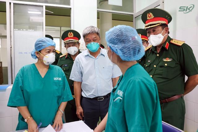 Thứ trưởng Bộ Y tế Nguyễn Trường Sơn: Tiền Giang cần tập trung 6 nhóm vấn đề để kiểm soát dịch COVID-19 - Ảnh 1.