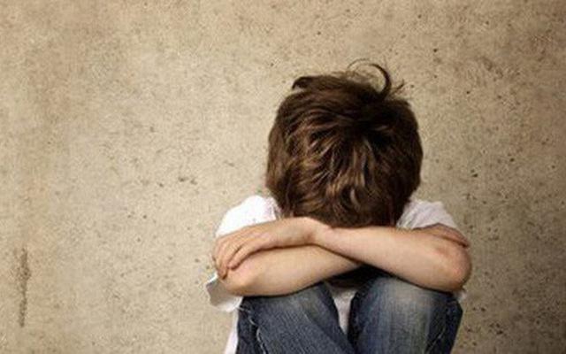 Yếu tố làm tăng nguy cơ mắc bệnh tự kỷ ở trẻ - Ảnh 2.