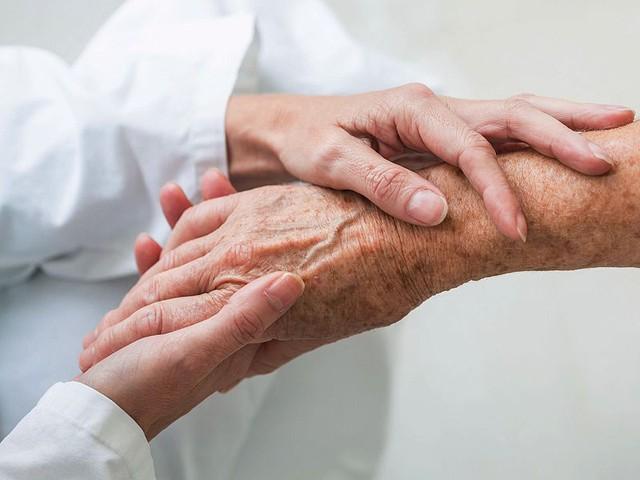 Đau đầu ở bệnh nhân ung thư và cách kiểm soát - Ảnh 3.