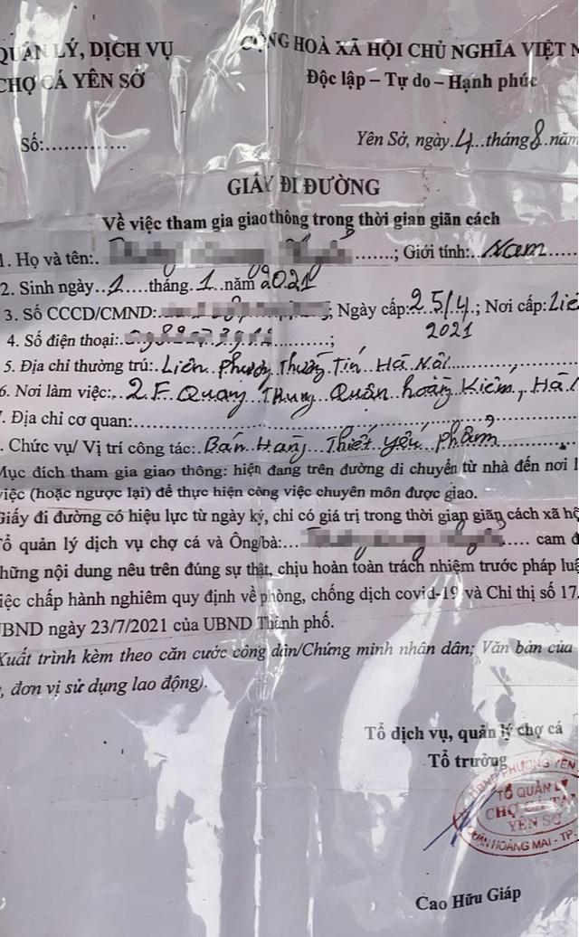 Xử phạt nhiều trường hợp tụ tập bên ngoài chợ cá lớn nhất Hà Nội giữa cao điểm chống dịch - Ảnh 5.