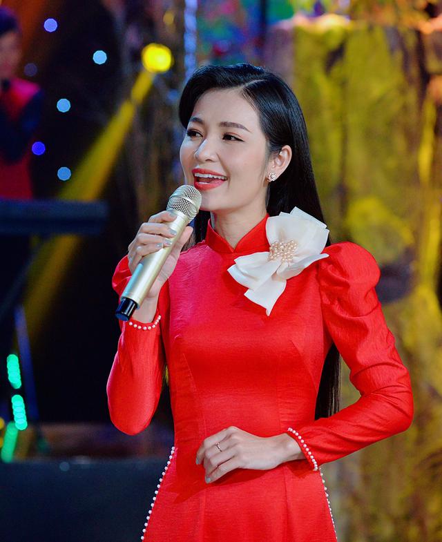 Sống khác mùa COVID-19: Ca sĩ Trang Thanh livestream, thêm thu nhập bước qua dịch bệnh - Ảnh 4.