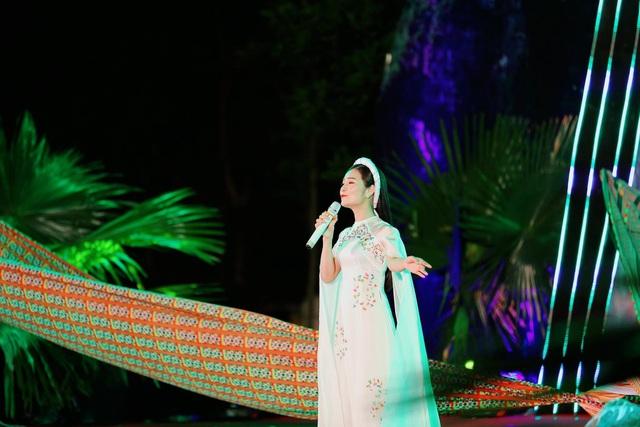 Sống khác mùa COVID-19: Ca sĩ Trang Thanh livestream, thêm thu nhập bước qua dịch bệnh - Ảnh 8.