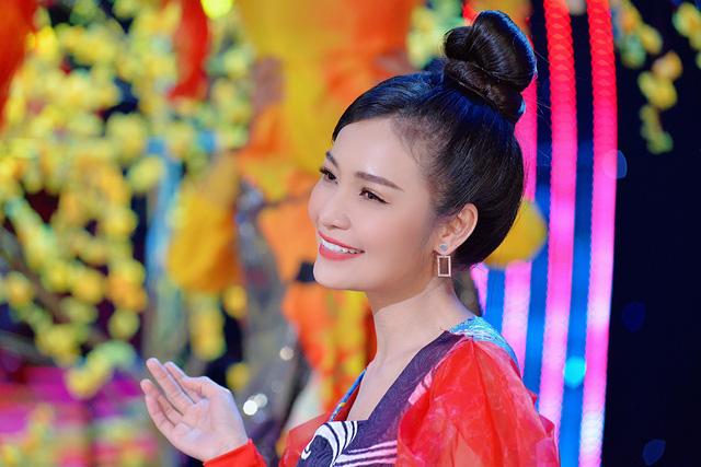 Sống khác mùa COVID-19: Ca sĩ Trang Thanh làm livestream bước qua dịch bệnh - Ảnh 8.