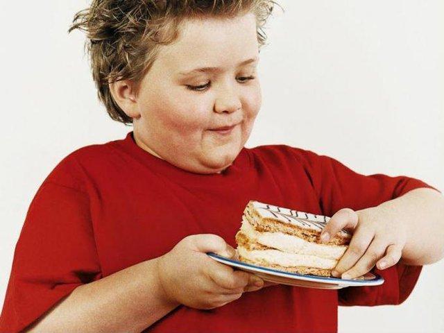 Béo phì ở trẻ em tăng gần gấp đôi trong đại dịch - Ảnh 2.