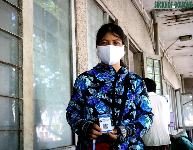 Tiểu thương chợ nổi tiếng nhất Huế háo hức làm thẻ Kiểm soát dịch bệnh gắn mã QR Quốc gia - Ảnh 7.