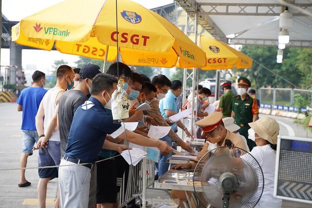Người ngoại tỉnh muốn vào Hà Nội từ ngày 21/9 cần giấy tờ gì? - Ảnh 2.