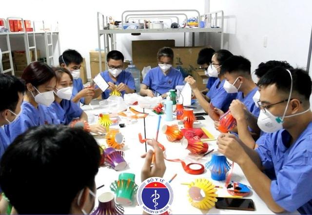 Thư Sài Gòn (số 35): Trăng Trung thu vẫn tỏa sáng ấm áp - Ảnh 2.
