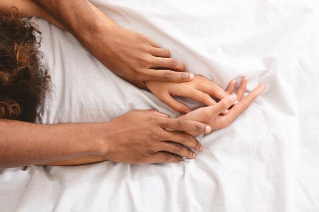 Làm thế nào để có một đời sống tình dục lành mạnh trong suốt cuộc đời? - Ảnh 1.