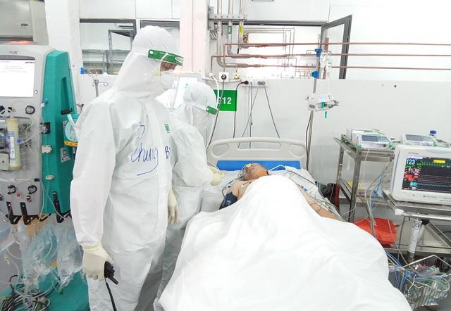 Chuỗi ngày sát cánh cùng bệnh nhân COVID-19 tại TP. Hồ Chí Minh của bác sĩ, nhân viên y tế Quảng Bình - Ảnh 3.