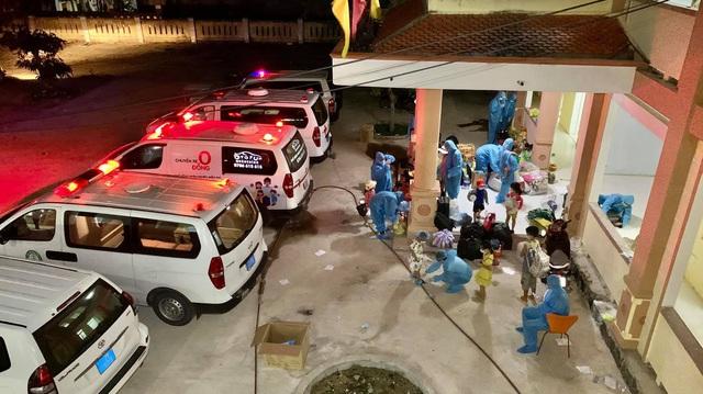 """""""Chuyến xe 0 đồng"""" tại Quảng Bình vẫn miệt mài phục vụ người bệnh và chuyển F  - Ảnh 5."""