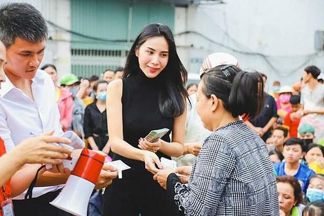 Lùm xùm từ thiện của Thủy Tiên, Đàm Vĩnh Hưng và làn gió mát của ngành văn hóa - Ảnh 1.