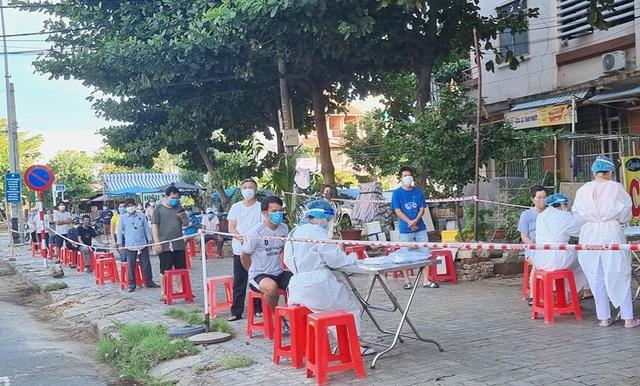Thư Sài Gòn (số 29): Tôi ở Đà thành, bạn Sài thành - Ảnh 2.