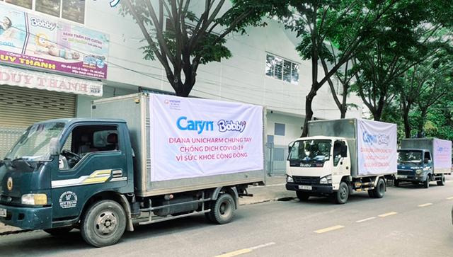 Caryn sát cánh cùng đội ngũ y tế tuyến đầu chăm sóc bệnh nhân COVID-19 - Ảnh 1.