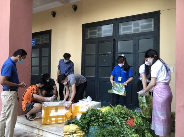 Lưu học sinh Lào sống trong sự yêu thương của nhà trường và mạnh thường quân Việt Nam trong mùa dịch - Ảnh 3.