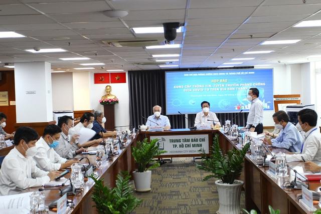 Thứ trưởng Bộ Y tế Nguyễn Trường Sơn: Bộ Y tế phối hợp với TP Hồ Chí Minh xử lý hài hòa quyền lợi của lực lượng tham gia chống dịch - Ảnh 2.