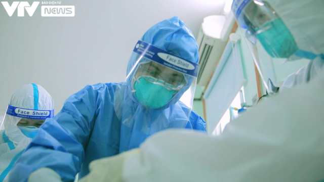 """Hậu phim """"Ranh giới"""": Cúi đầu cảm ơn ngàn lần không đủ đến y bác sĩ tuyến đầu - Ảnh 5."""